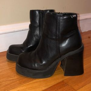 Vintage BONGO platform boots